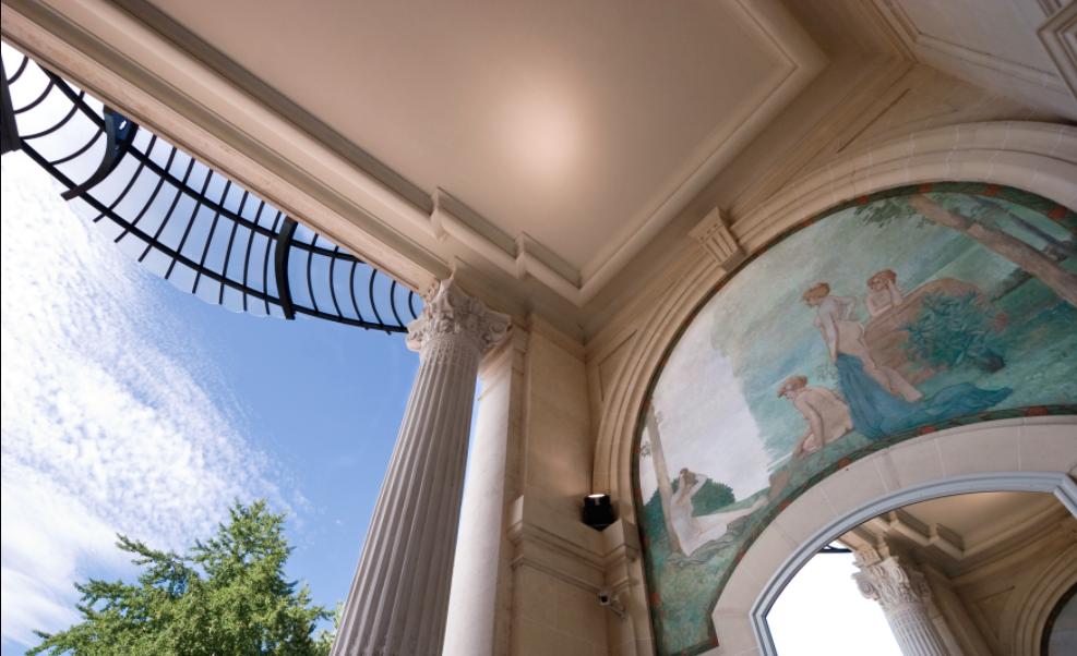 Entrée du Palais Lumière, Évian